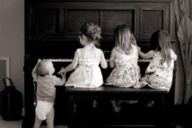 Kids-Piano-09-300x200